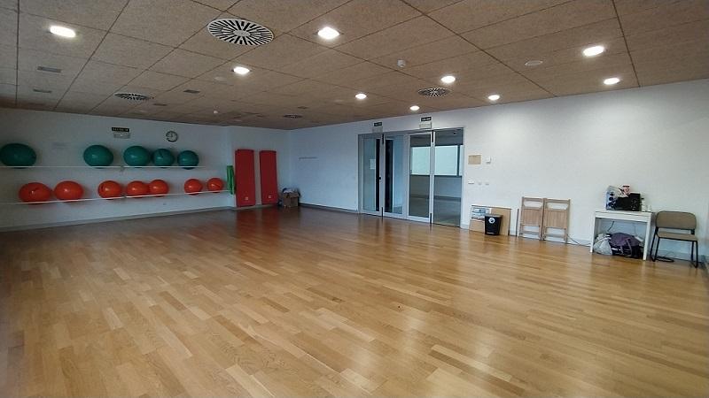 sala fittnes instalaciones deportivas cordovilla